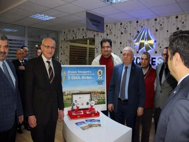 Konunun uzmanı Erciyes Üniversitesinde görevli Selahattin Gönülateş'ten ile sağlık teknoparkları hakkında bilgi aldık.